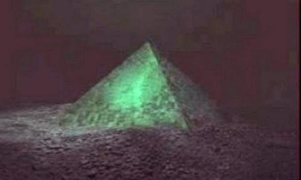 La Piramide Sottomarina Delle Azzorre