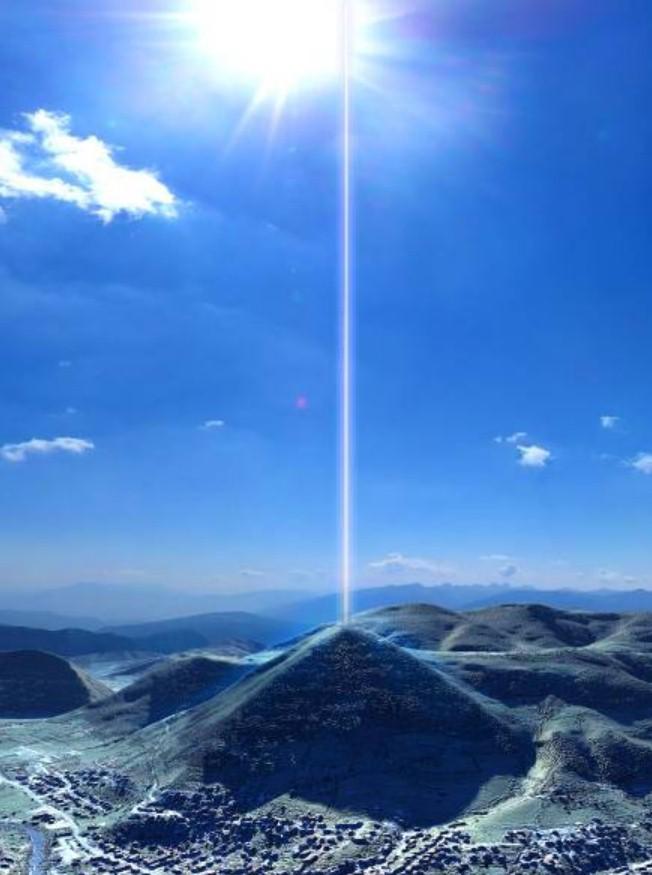 Fascio di energia proveniente dalla Piramide Bosniaca